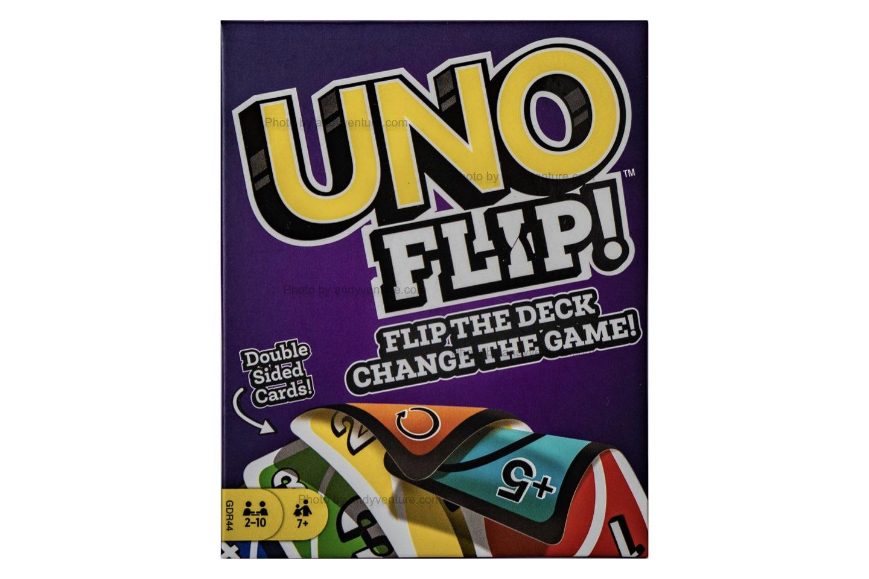 You are currently viewing Uno Flip!-新設計,兩面都可以玩的Uno卡牌|桌遊規則介紹