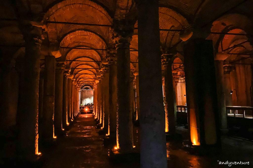 地下水宮殿-令人小失望的巨大地底水槽|伊斯坦堡|土耳其租車旅遊