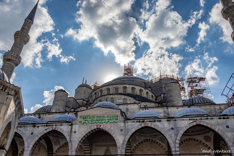 藍色清真寺-擁有六座宣禮塔的清真寺古蹟 伊斯坦堡 土耳其租車旅遊