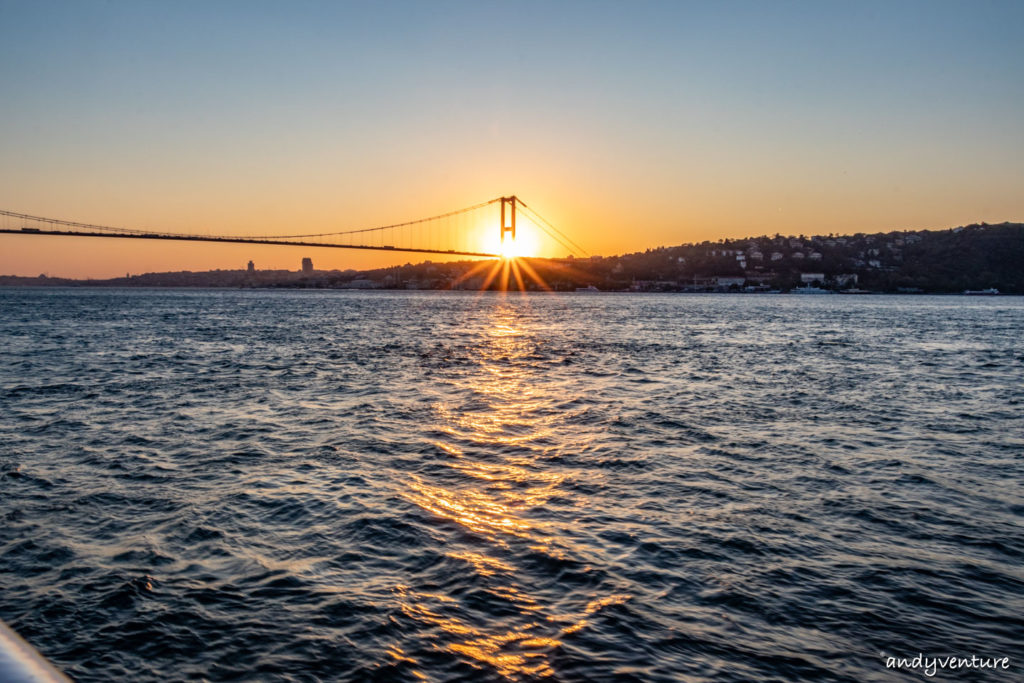 博斯普魯斯海峽遊船-從海上欣賞伊斯坦堡沿岸景色|伊斯坦堡|土耳其租車旅遊