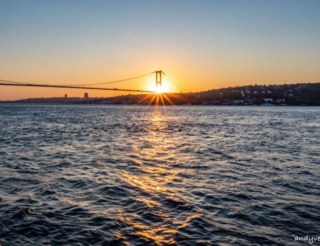 博斯普魯斯海峽遊船-從海上欣賞伊斯坦堡沿岸景色 伊斯坦堡 土耳其租車旅遊