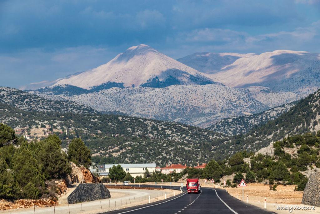 土耳其自駕旅遊五大重點解析:路況、加油、停車、高速公路、推薦路線