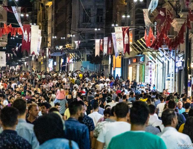 獨立大街和塔克辛廣場-逛逛百萬人潮的購物大道 伊斯坦堡Istanbul 土耳其租車旅遊
